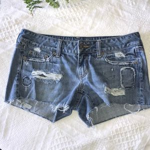 American eagle distressed lowrise shorts